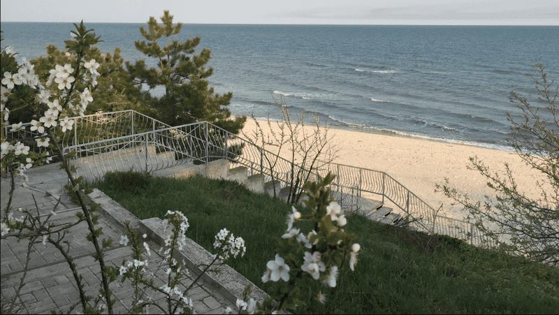 Современный дом на берегу Азовского моря, п. Урзуф Агентство Недвижимости Киев. Продать, купить недвижимость, квартиру, дом 1 3выход на пляж1