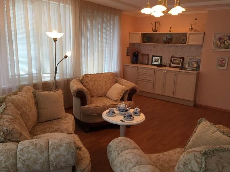 Современный дом на берегу Азовского моря, п. Урзуф Агентство Недвижимости Киев. Продать, купить недвижимость, квартиру, дом 1 6гостинная