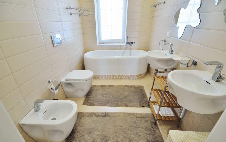 Предлагаем к продаже дом в с. Стоянка Агентство Недвижимости Киев. Продать, купить недвижимость, квартиру, дом DSC 7449a 1 1170x738